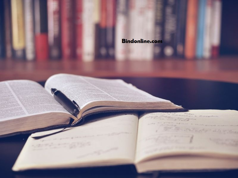 cara menulis daftar pustaka nama pengarang 3 kata
