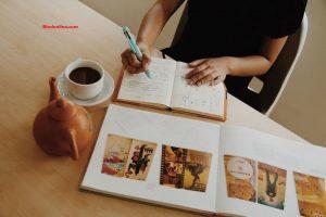 Pengertian, Fungsi, Ciri, dan Contoh Makalah yang Baik dan Benar